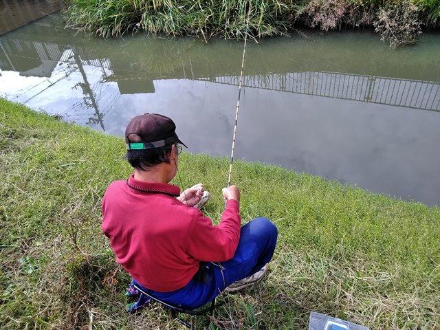 葛西用水の釣り人