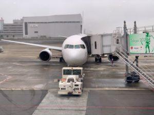 熊本行きの飛行機