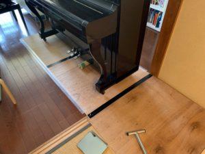 ピアノを洋間へ