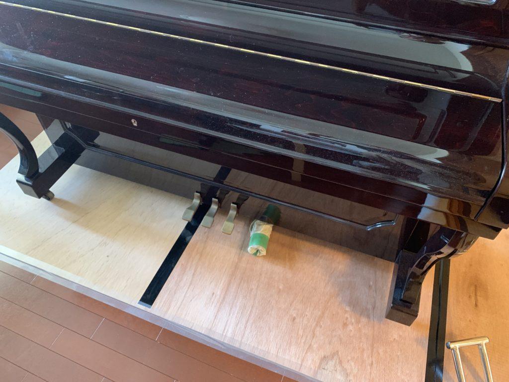 ピアノをフローリングの上へ移動